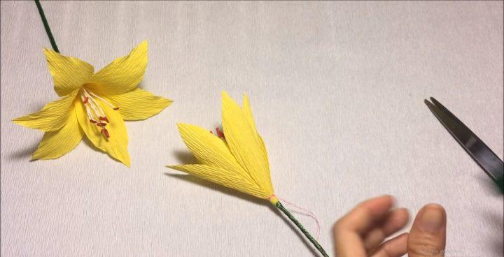 cách làm hoa ly từ giấy nhún