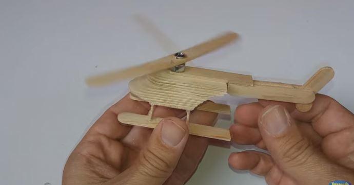 cách làm máy bay trực thăng bằng que kem gỗ