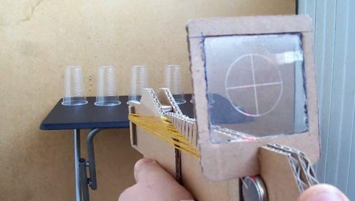 cách làm súng bắn bằng bìa cát tông