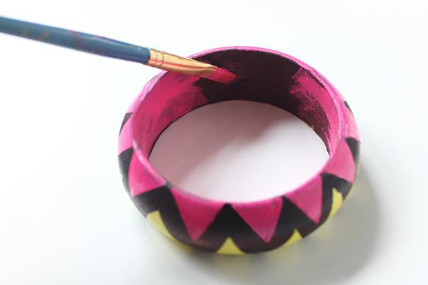 cách làm vòng tay gỗ