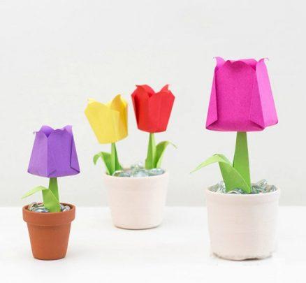 làm chậu hoa tuylip bằng giấy