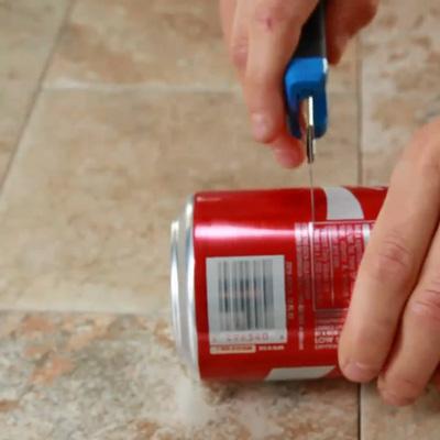 cách làm cốc đựng nến từ lon và thìa nhựa