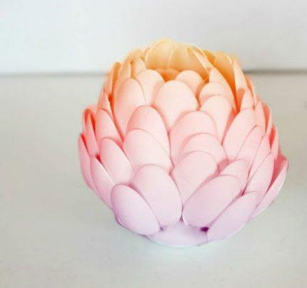 cách là hoa sen từ thìa nhựa