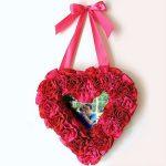 Hướng dẫn làm khung ảnh hình trái tim hoa hồng bằng vải