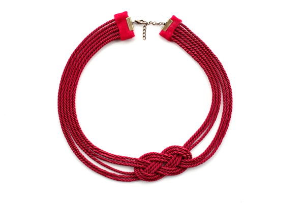 cách làm vòng cổ bằng dây gai