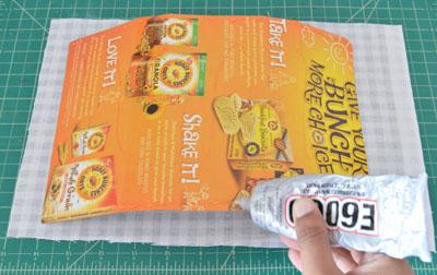 làm hộp đựng bút bằng bìa carton