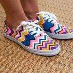 Hướng dẫn trang trí màu sắc cho đôi giày cũ