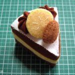 Hướng dẫn làm bánh kem socola bằng vải nỉ