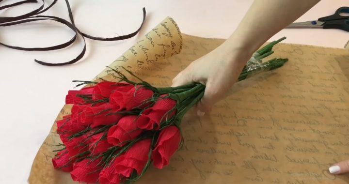 cách làm bó hoa hồng bằng giấy nhún
