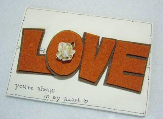 làm thiệp với khóa cài hình chữ love