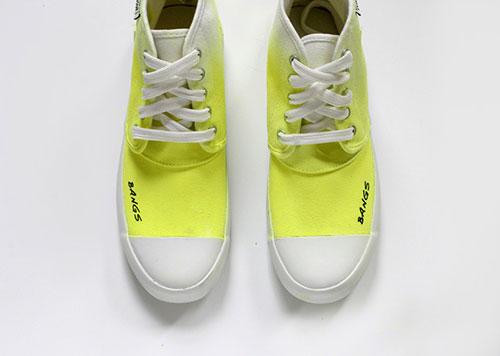 phối màu cho giày