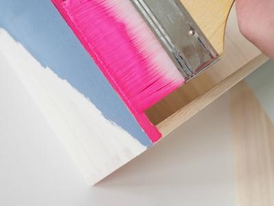 thiết kế kệ gỗ đa sắc màu