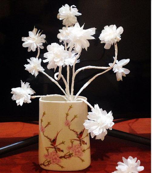 cách làm bình hoa tuyết bằng khăn giấy