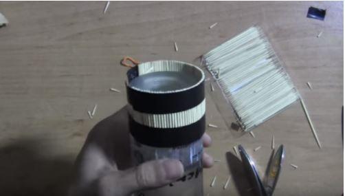 cách làm đế để điện thoại bằng tăm tre