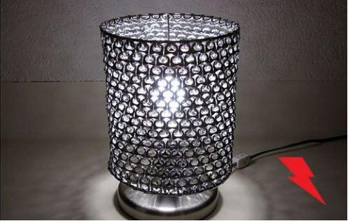 cách làm đèn để bàn từ nắp bật vỏ lon