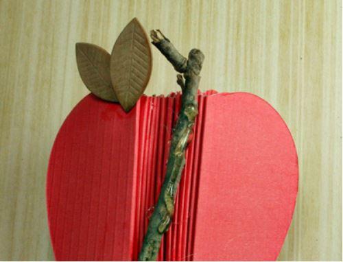 cách làm giấy note bằng quả táo