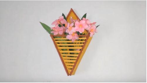 cách làm giỏ hoa đựng treo tường