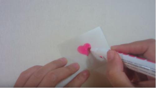cách làm trái tim từ keo nến