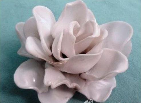 cách làm hoa sứ bằng thìa nhựa