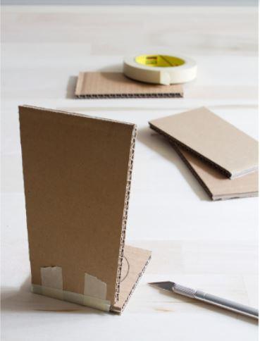 cách làm lọ hoa từ bìa carton