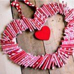 Hướng dẫn làm hình trái tim đơn giản từ giấy báo
