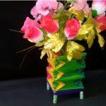 Hướng dẫn làm lọ hoa bằng que kem nhiều màu