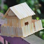 Hướng dẫn cách làm ngôi nhà bằng que kem hàng rào